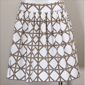 BANANA REPUBLIC WHITE GRAPHIC PRINT CIRCLE SKIRT